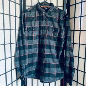 Burnside black red plaid long sleeve flannel sz XL